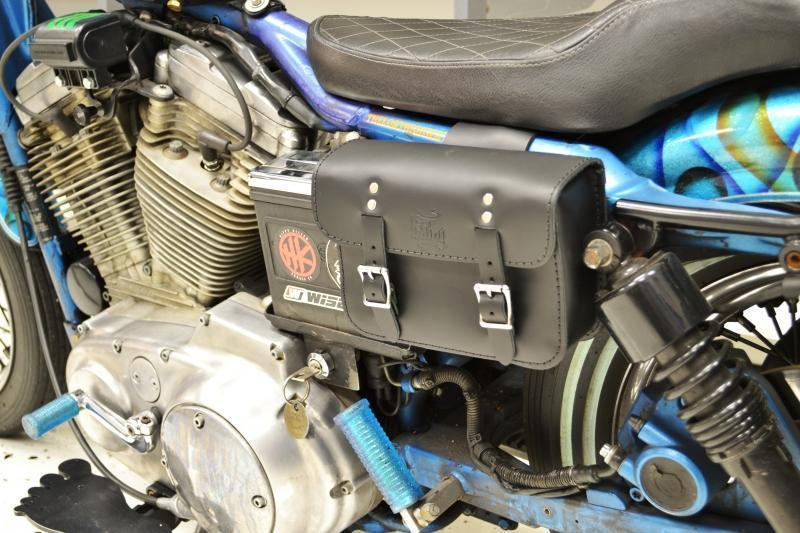 Sportster Dyna Battery Bag DBB031