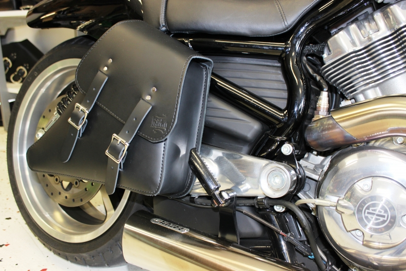 V-Rod Right Solo Bag VRR03
